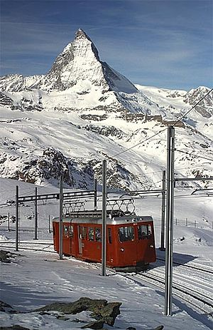 https://upload.wikimedia.org/wikipedia/commons/thumb/7/70/Gornergratbahn.jpg/300px-Gornergratbahn.jpg