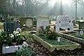 Grave of Sandy Denny (31655767907).jpg
