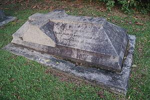Elliot Bovill - Bovill's gravestone