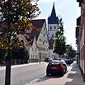 Großes Haus und Liebfrauenkirche in Mettingen.jpg