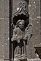 Guimiliau - Enclos paroissial - le portail - Statue du piédroit - PA00089998 - 003.jpg