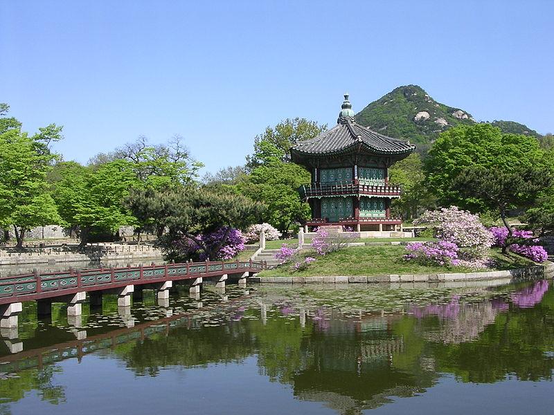 File:Gyeongbokgung-HyangWonJeong-01.jpg