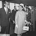 H. K. H. Prinses Margriet en Mr. Van Vollenhoven vertrekken naar het Congres van, Bestanddeelnr 922-7461.jpg