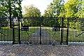 Haarzuilens - Entrance gate of De Haar Castle at Zuilenlaan 1.jpg