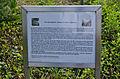 Hamburg Bramfeld Dorfplatz Tafel zum Gedenkstein.jpg