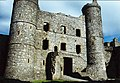 Harlech Castle Keep - geograph.org.uk - 1148010.jpg