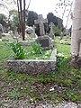 Harold Harvey's grave.jpg