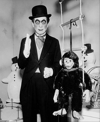 "Harpo Marx - Marx as the ""mechanical man"" in ""A Silent Panic"" (1960)"