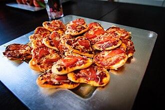 Pizzetta - Heart-shaped pizzette