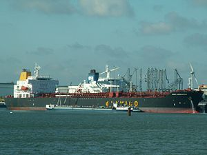 High Endevour IMO 9272931 at the Calland canal, Port of Rotterdam, Holland 09-Apr-2006.jpg