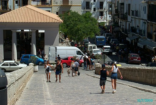 Plaça de la Constitutió und Markthalle. Ibiza-Stadt