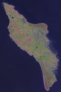 200px-Ile_doleron_satellite.png