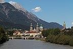 Innsbruck, der Inn vanaf de Universitätsbrücke met der Dom Sankt Jakob Dm64166 en der Stadtturm Dm64167 foto9 2017-07-30 16.22.jpg