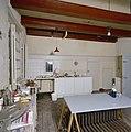 Interieur, hoofdhuis, overzicht keuken - 20000762 - RCE.jpg