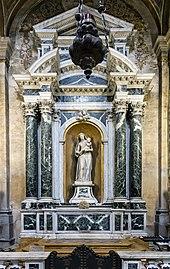 Interior of Chiesa dei Gesuiti (Venice) - left nave - cappella della Madonna.jpg