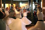 Istanbul - Monestir Mevlevi - Dervixos dansaires.JPG