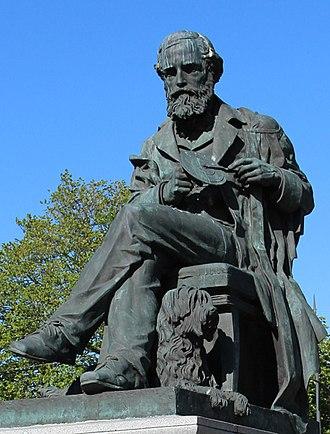 James Clerk Maxwell Foundation - Statue of James Clerk Maxwell, George Street, Edinburgh
