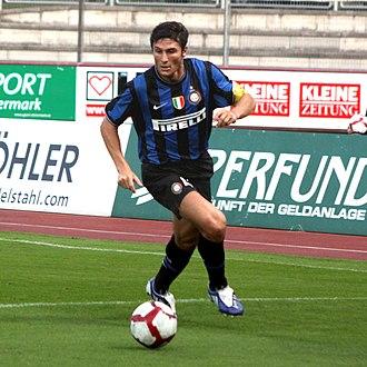 Javier Zanetti - Zanetti playing for Inter in 2009