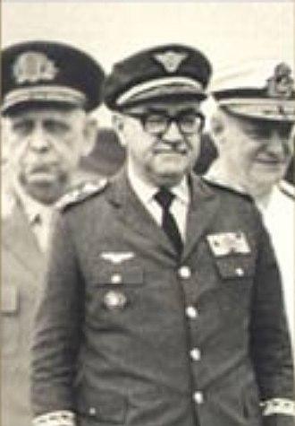 Márcio Melo - Marshal Márcio Melo (middle)