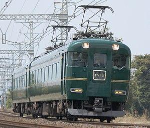 Kintetsu 15400 series - 15400 series Kagirohi EMU, April 2013