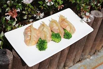 Mandu (food) - kimchi-mandu, steamed kimchi dumplings