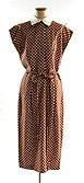 Klänning av brun dupion med vita prickar. Slätt liv med knäppning fram - Nordiska museet - NM.0244684A-B.jpg