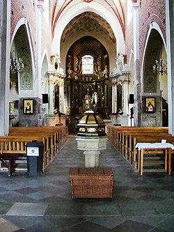 Kościół, ob. par. pw. św. Jana Ewangelisty, 2 poł. XI, XIII-XVI-XVIII wnętrze (14)