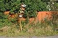 Kolorowe drogowskazy w Bielawie Dolnej - panoramio.jpg