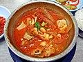 Korean stew-Kimchi jjigae-05.jpg