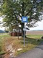 Krakov (RA), památná lípa a zastávka Krakovec, u lipky.jpg