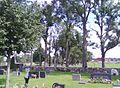 Kyrkogården vid Holms kyrka, allén till Bergs säteri04.jpg