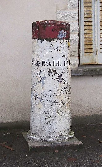 Red Ball Express - Commemorative stone in the village of La Queue-lez-Yvelines