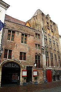 """Laatgotisch gebouw uit XV, eertijds """"De Pensée"""" - -Kuipersstraat 23 -Brugge - 29434.JPG"""