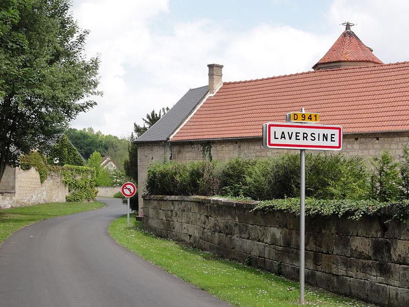 Laversine (Aisne) city limit sign