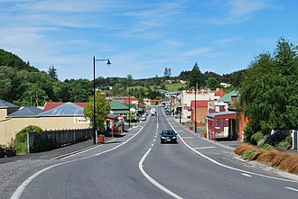 Lawrence, New Zealand - Ross Place (State Highway 89), the main street of Lawrence