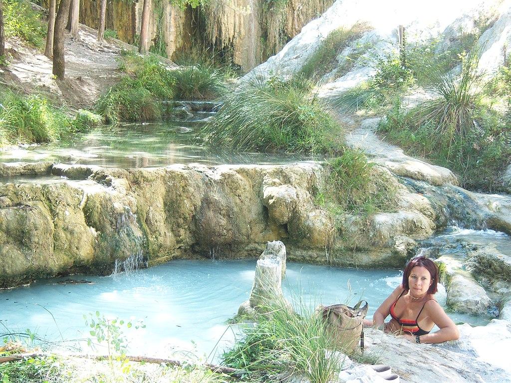 File le terme di bagni san filippo in val d orcia wikimedia commons - Terme di bagni san filippo ...