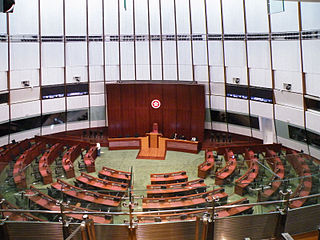 立法會可分為分區及不分區議席,申報海外常住地址的選民不能在分區選舉投票。 (圖片:Tksteven@Wikimedia)