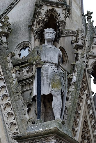De Montfort University - A statue of Simon de Montfort on the Haymarket Memorial Clock Tower in Leicester, England