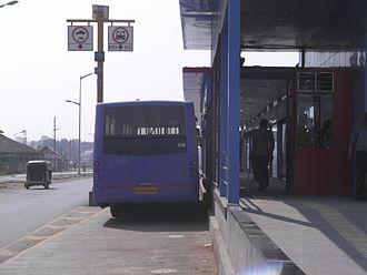 Rajkot Bus Rapid Transit System - Image: Level Boarding
