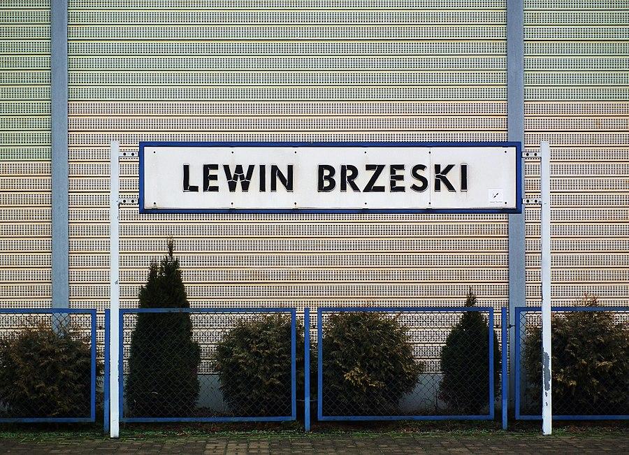 Lewin Brzeski railway station