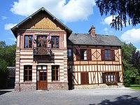 Livet-sur-Authou mairie.jpg