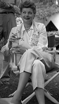 Lucille Ball cropped 1953.jpg