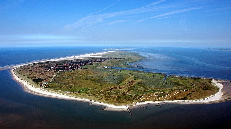 File:Luftaufnahme Spiekeroog.jpg