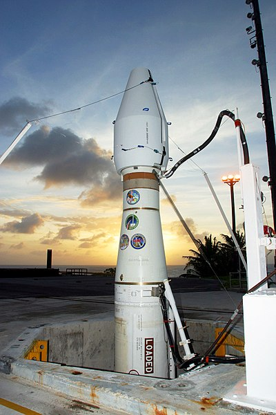 File:MDA interceptor on launch pad ift107.jpg