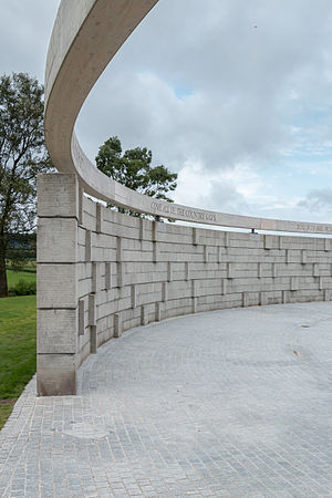 Battle of Bannockburn - The hemicircle of the modern Bannockburn monument