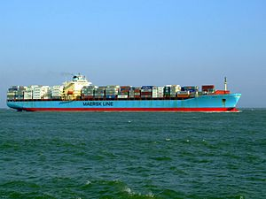 Maersk Mytilini p3 approaching Port of Rotterdam, Holland 01-Apr-2007.jpg