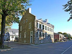 Saint-Denis-sur-Richelieu, Quebec - Image: Maison Masse 2