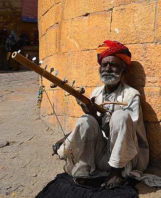Ravanahatha - Man playing Ravanahatha in Jaisalmer, India