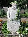 Manfred Bofinger - Friedhof Stralau - Mutter Erde fec (2).JPG