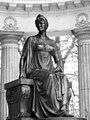 Maria Feodorovna statue pavlovsk park bw.jpg